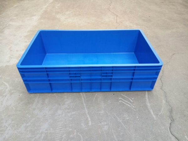 stackable plastic tubs
