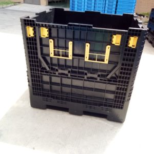 Pallet storage bins foldable